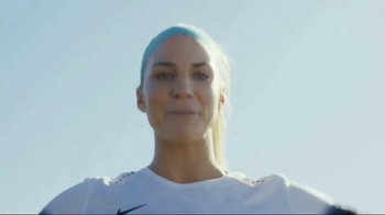 Cytosport Muscle Milk TV Spot, 'For Women With Muscles' Ft. Julie Johnston - Thumbnail 9