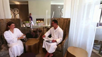 Four Seasons Resort TV Spot, 'Disney Dining and Golf' - Thumbnail 6