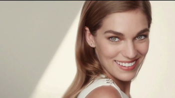 Olay Total Effects TV Spot, 'Take Years Off' - Thumbnail 8
