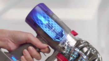 Dyson V8 TV Spot, 'Cord-Free. Hassle-Free.' - Thumbnail 2