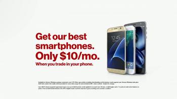 Verizon NFL Mobile TV Spot, 'Football/Life Balance: $10 Trade-In' - Thumbnail 8