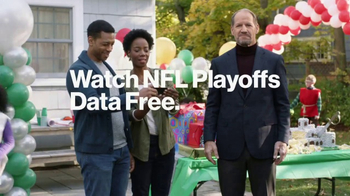 Verizon NFL Mobile TV Spot, 'Football/Life Balance: $10 Trade-In' - Thumbnail 6