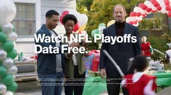 Verizon NFL Mobile TV Spot, 'Football/Life Balance: $10 Trade-In' - Thumbnail 7