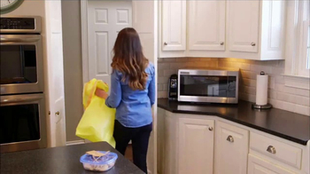 Glad TV Spot, 'Glad to Give: Giving Kitchen' - Thumbnail 5
