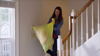 Glad TV Spot, 'Glad to Give: Giving Kitchen' - Thumbnail 6