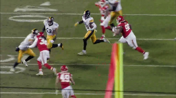 Microsoft Surface TV Spot, 'NFL Sidelines: Steelers vs. Chiefs' - Thumbnail 5