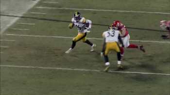 Microsoft Surface TV Spot, 'NFL Sidelines: Steelers vs. Chiefs' - Thumbnail 6