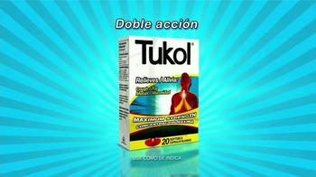 Tukol Maximum Strength TV Spot, 'Doble acción' [Spanish] - Thumbnail 3