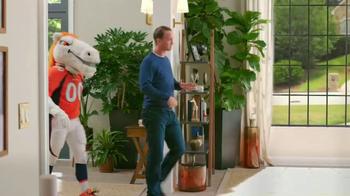 Papa John's TV Spot, 'Mascots' Featuring Peyton Manning - Thumbnail 3
