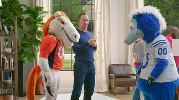 Papa John's TV Spot, 'Mascots' Featuring Peyton Manning - Thumbnail 5