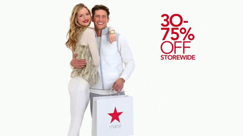 Macy's After Christmas Sale TV Spot, 'Savings Pass & Free Shipping' - Thumbnail 2
