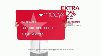 Macy's After Christmas Sale TV Spot, 'Savings Pass & Free Shipping' - Thumbnail 3