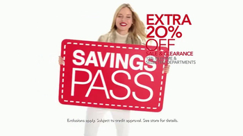 Macy's After Christmas Sale TV Spot, 'Savings Pass & Free Shipping' - Thumbnail 4