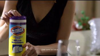 Clorox Disinfecting Wipes TV Spot, 'Telemundo: fiestas' [Spanish] - Thumbnail 4