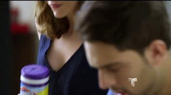 Clorox Disinfecting Wipes TV Spot, 'Telemundo: fiestas' [Spanish] - Thumbnail 5