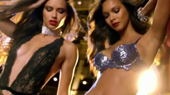 Victoria's Secret After Christmas Sale TV Spot, 'Be There' - Thumbnail 4