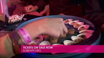 2017 South Beach Wine & Food Festival TV Spot, 'How's the Food?' - Thumbnail 5