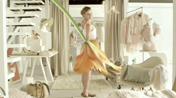 Lagicam Feminine Cleansing Wash TV Spot, Flores' [Spanish] - Thumbnail 2