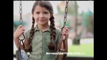 Mattress Firm Foster Kids TV Spot, 'Donación de juguetes' [Spanish] - Thumbnail 1
