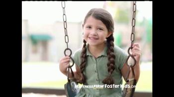 Mattress Firm Foster Kids TV Spot, 'Donación de juguetes' [Spanish] - Thumbnail 4