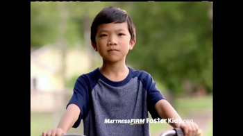 Mattress Firm Foster Kids TV Spot, 'Donación de juguetes' [Spanish] - Thumbnail 5
