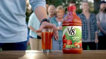 V8 Original TV Spot, 'V8 vs. Powdered Drink' - Thumbnail 4