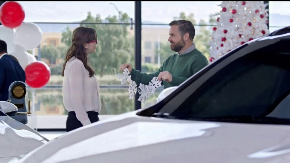 kia holidays on us sales event tv commercial snowflake gift ispottv