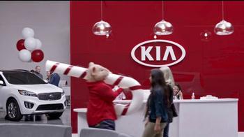 Kia Holidays on Us Sales Event TV Spot, 'Snowflake Gift' - Thumbnail 1