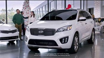 Kia Holidays on Us Sales Event TV Spot, 'Snowflake Gift' - Thumbnail 3
