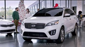 Kia Holidays on Us Sales Event TV Spot, 'Snowflake Gift' - Thumbnail 4