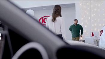 Kia Holidays on Us Sales Event TV Spot, 'Snowflake Gift' - Thumbnail 6