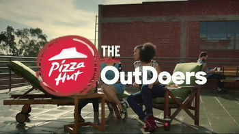 Pizza Hut TV Spot, 'The OutDoers: OutSelfie' - Thumbnail 2