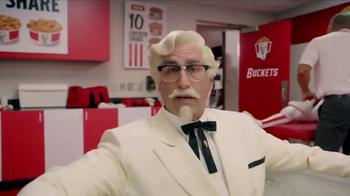 KFC $10 Chicken Share TV Spot, 'Ice Bath' Featuring Rob Riggle - Thumbnail 3