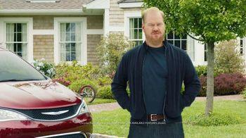 2017 Chrysler Pacifica TV Spot, 'Stow 'n Vac' Featuring Jim Gaffigan