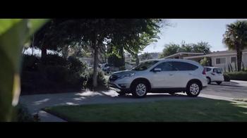 2016 Honda CR-V TV Spot, 'Feria de ciencias: Astronauta' [Spanish] - Thumbnail 3