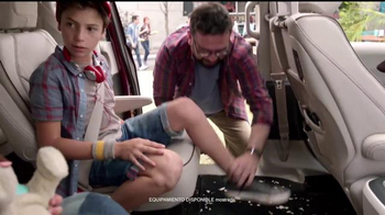 Chrysler Liquidación de Verano TV Spot, 'Fun Uncle' [Spanish] - Thumbnail 7