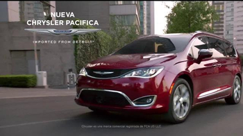 Chrysler Liquidación de Verano TV Spot, 'Fun Uncle' [Spanish] - Thumbnail 8