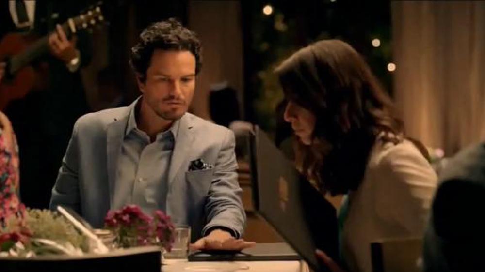 AT&T Datos Ilimitados TV Commercial, 'F??tbol el d??a de tu aniversario'