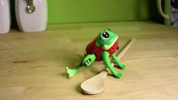 Little Live Pets Lil' Frog TV Spot, 'Dive on In' - Thumbnail 2