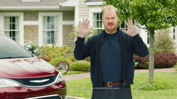 2017 Chrysler Pacifica TV Spot, 'Hands-Free Door' Featuring Jim Gaffigan - 1772 commercial airings