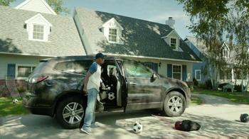 2017 Chrysler Pacifica TV Spot, 'Hands-Free Door' Featuring Jim Gaffigan - Thumbnail 7