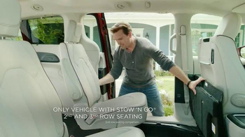 2017 Chrysler Pacifica TV Spot, 'Stow 'n Go' Featuring Jim Gaffigan - Thumbnail 4