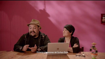 Microsoft Surface Book TV Spot, 'Los animadores Jorge y Sandra' [Spanish] - Thumbnail 2