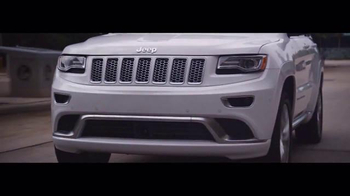 Jeep Summer Clearance Event TV Spot, 'Near or Far: August' - Thumbnail 4