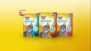 Meow Mix Brushing Bites TV Spot, 'Brushing Teeth' - Thumbnail 9
