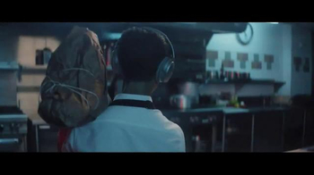 Bose QuietComfort 35 TV Spot, 'Words to Work By: Chef Kristen Kish' - Thumbnail 4