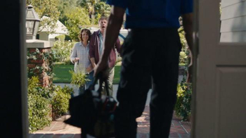 Time Warner Cable Phone TV Spot, 'Moving In' - Thumbnail 1