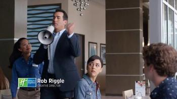 Holiday Inn Express TV Spot, 'Bullhorn' Featuring Rob Riggle - Thumbnail 3