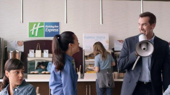 Holiday Inn Express TV Spot, 'Bullhorn' Featuring Rob Riggle
