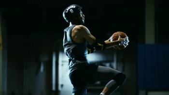 Nike TV Spot, 'Unlimited Airtime With Zach LaVine and Aaron Gordon' - Thumbnail 8
